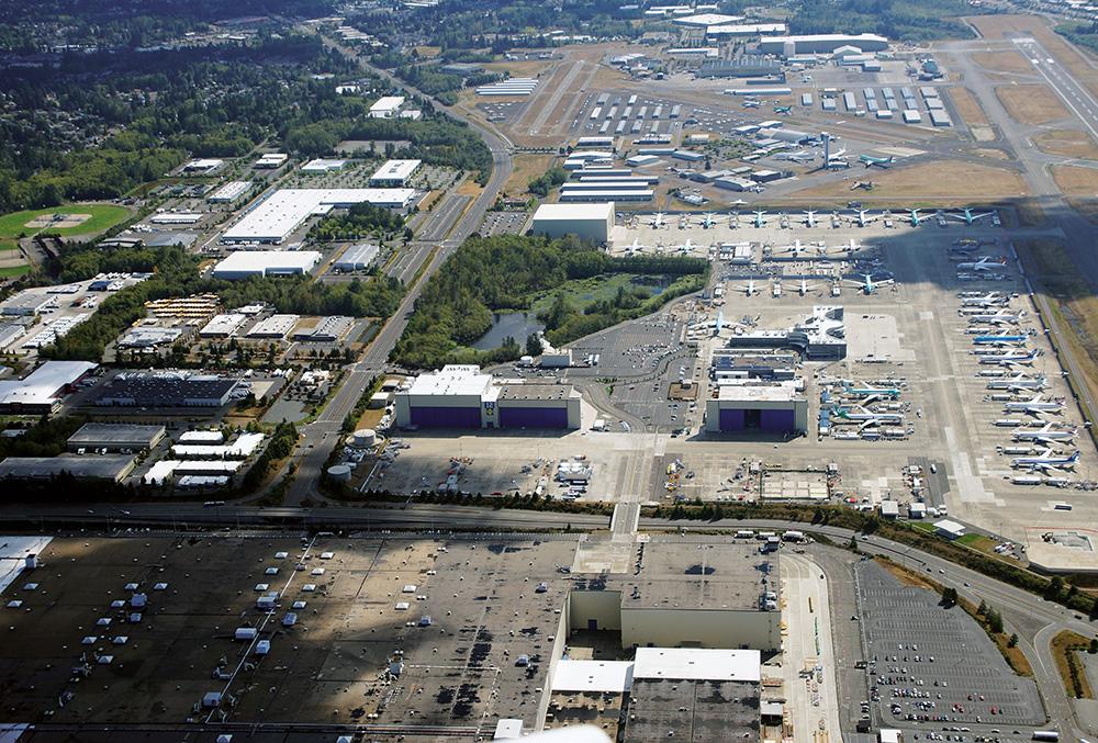 Příběhy leteckých fotek: Výrobní haly Boeingu v Everettu