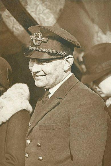 Neobyčejný muž Gaston Durmon: z válečného pole pilotem prezidenta šéfpilotem CFRNA