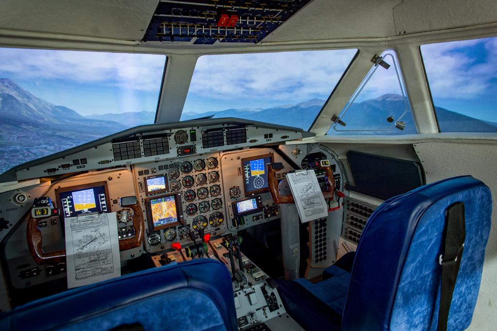 FlySafe: VFR2IMC aneb vyzkoušejte si na simulátoru L-410 řešení situace po vletu do podmínek IMC