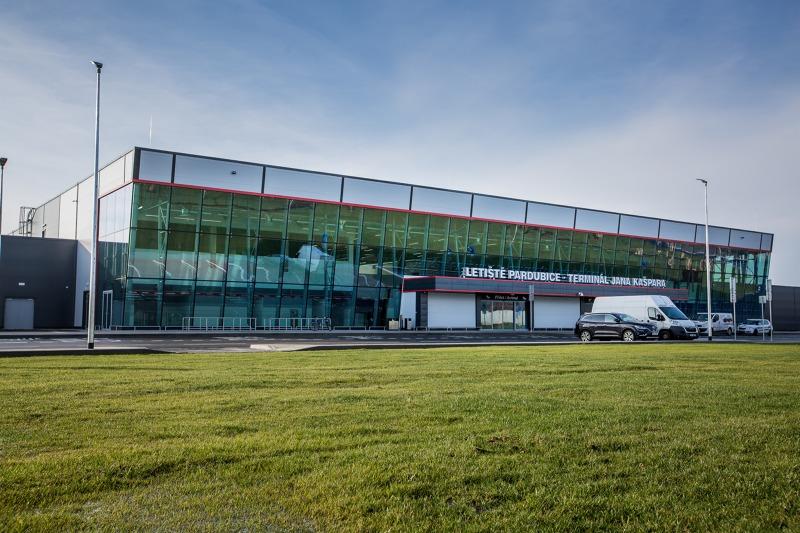Letiště Pardubice hlásí 102 000 odbavených cestujících za rok 2019. Je to méně než v roce předchozím