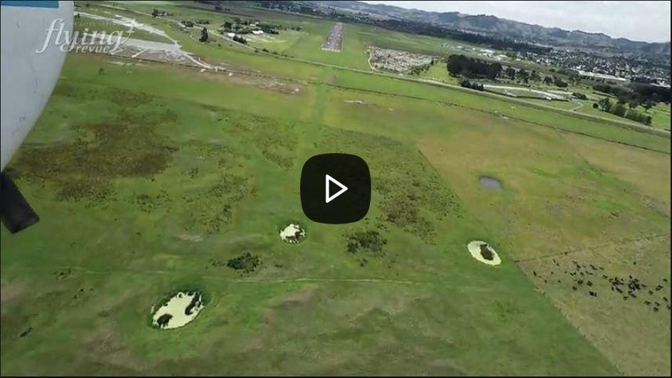 Unikátní letiště pro fanoušky železnic: Novozélandský Gisborne protínají koleje