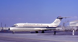 Douglas DC-9 N9DC na letišti Los Angeles International Airport. Foto: Jan Proctor